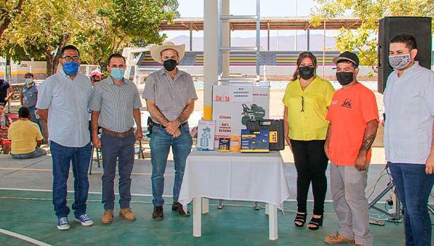 Con apoyos de Vende Más, fortalecen 20 micronegocios de Huetamo