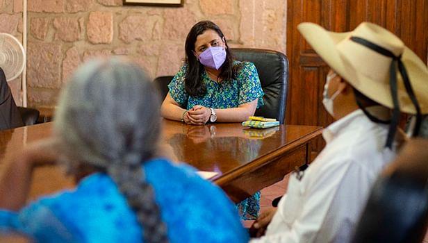 Instalan mesas de trabajo con habitantes de la colonia Rubén Jaramillo