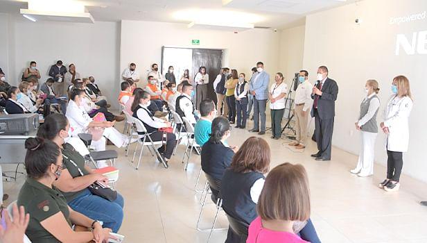 Capacitan a personal para vacunación contra Covid-19, en Morelia