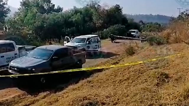 Hallan cuerpo de mujer a la orilla de un camino de terracería, en Morelia