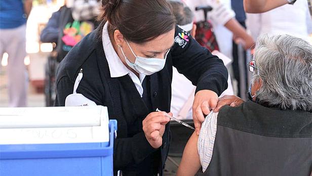Michoacán: Vacunados hasta el momento 304 mil 140 adultos mayores