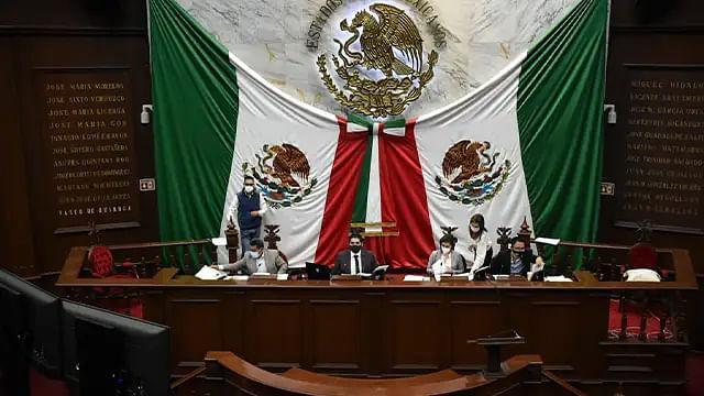 Aprueba Congreso de Michoacán glosas del V Informe de Gobierno