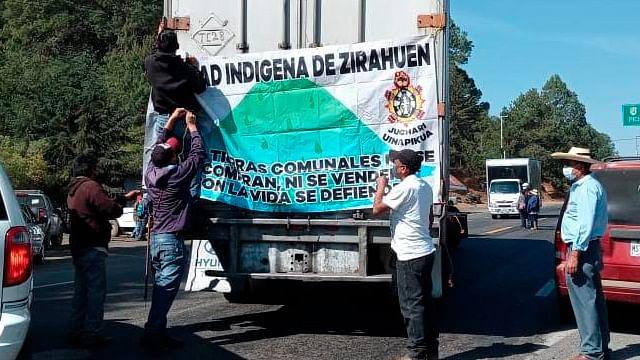 Cinco carreteras de Michoacán están bloqueadas por el CSIM