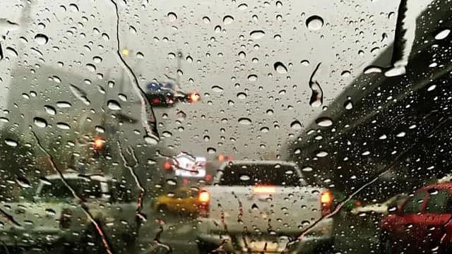 Onda tropical número 5 seguirá provocando lluvias en Michoacán
