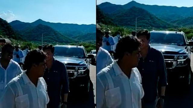 Bloquean el paso de camioneta de AMLO en su gira por Sinaloa y Durango