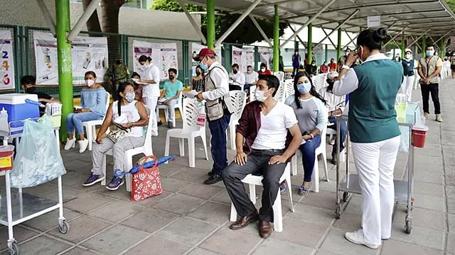 Vacunación en Chiapas avanza con trabajo coordinado: Zoé Robledo
