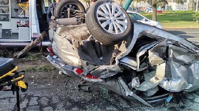 Aparatoso choque volcadura deja 4 heridos en el libramiento de Morelia