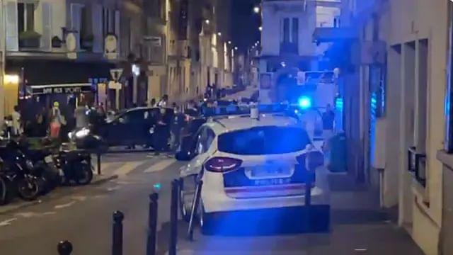 Automovilista embiste a comensales de restaurante en París; hay un muerto