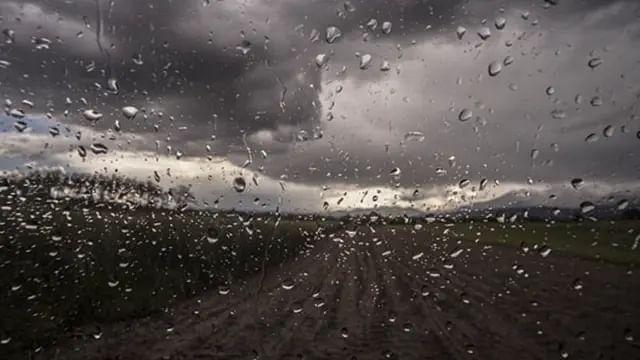 Continuará lluvias en Michoacán por onda tropical número 6