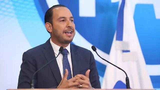 Marko Cortés, líder nacional del PAN, da positivo a Covid-19