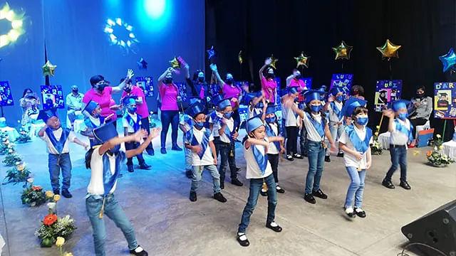 En Uruapan, se gradúan 20 niñas y niños de la Estancia Infantil DIF