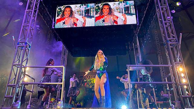 María José hace Re-Conexión con fans en Morelia
