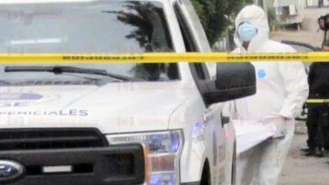 Encuentran a hombre muerto y embolsado, en Zitácuaro