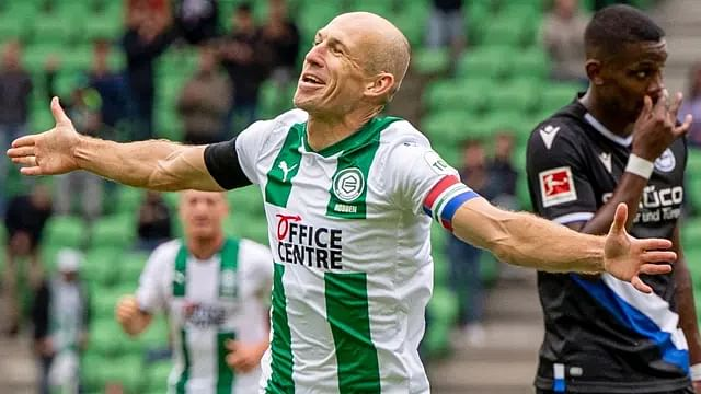 """Arjen Robben, el de """"no era penal"""", anuncia su retiro"""