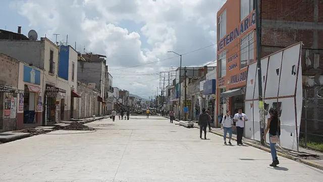 Reportan avance del 52%  en rehabilitación de Avenida Lázaro Cárdenas