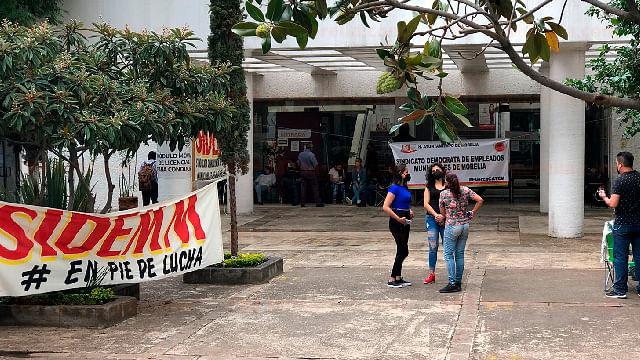 Por segundo día, el SIDEMM toma Tesorería municipal de Morelia