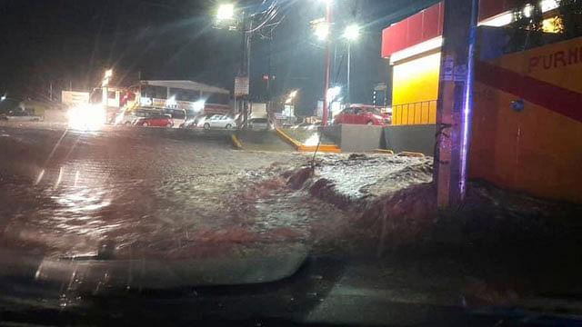 Se registran inundaciones menores en vialidades de Morelia