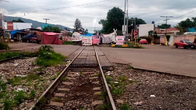 Bloqueo en vías en Michoacán, afectan a comercio internacional: KCSM
