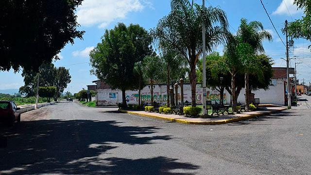 Gobierno de Michoacán rescata del deterioro camino en Numarán