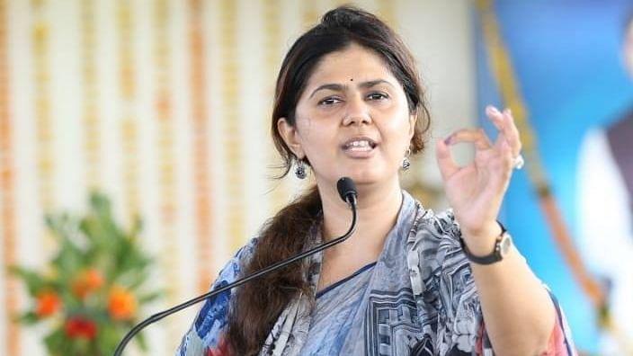 bhagwan bhaktigad dussehra melava 2021 beed pankaja munde political speech