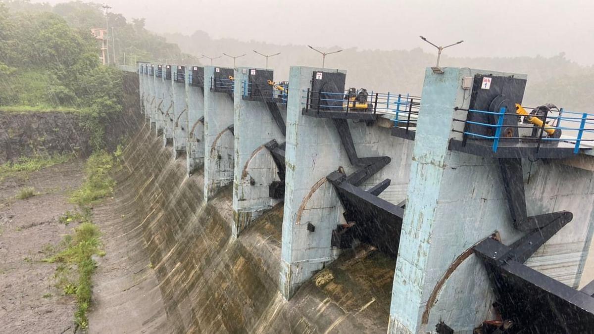 Flood in Badlapur : बारवी धरणाच्या पाणीपातळीत वाढ, नागरिकांनी अफवांना बळी पडू नये - प्रशासनाचं आवाहन