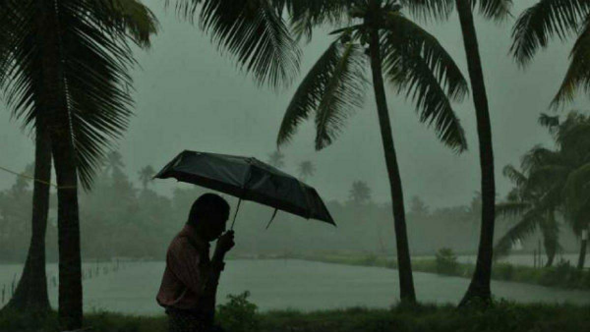पुढील चार दिवस मुसळधार पाऊस होणार असल्याचा हवामान विभागाचा अंदाज.