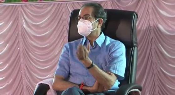 पंढरपूरला पोहचताच CM Uddhav Thackeray यांनी घेतला कोरोना स्थितीचा आढावा