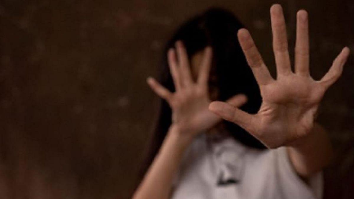 पुणे हादरलं! आठवीत शिकणाऱ्या मुलीवर कोयत्याने वार, एकतर्फी प्रेमातून हत्या झाल्याचा अंदाज