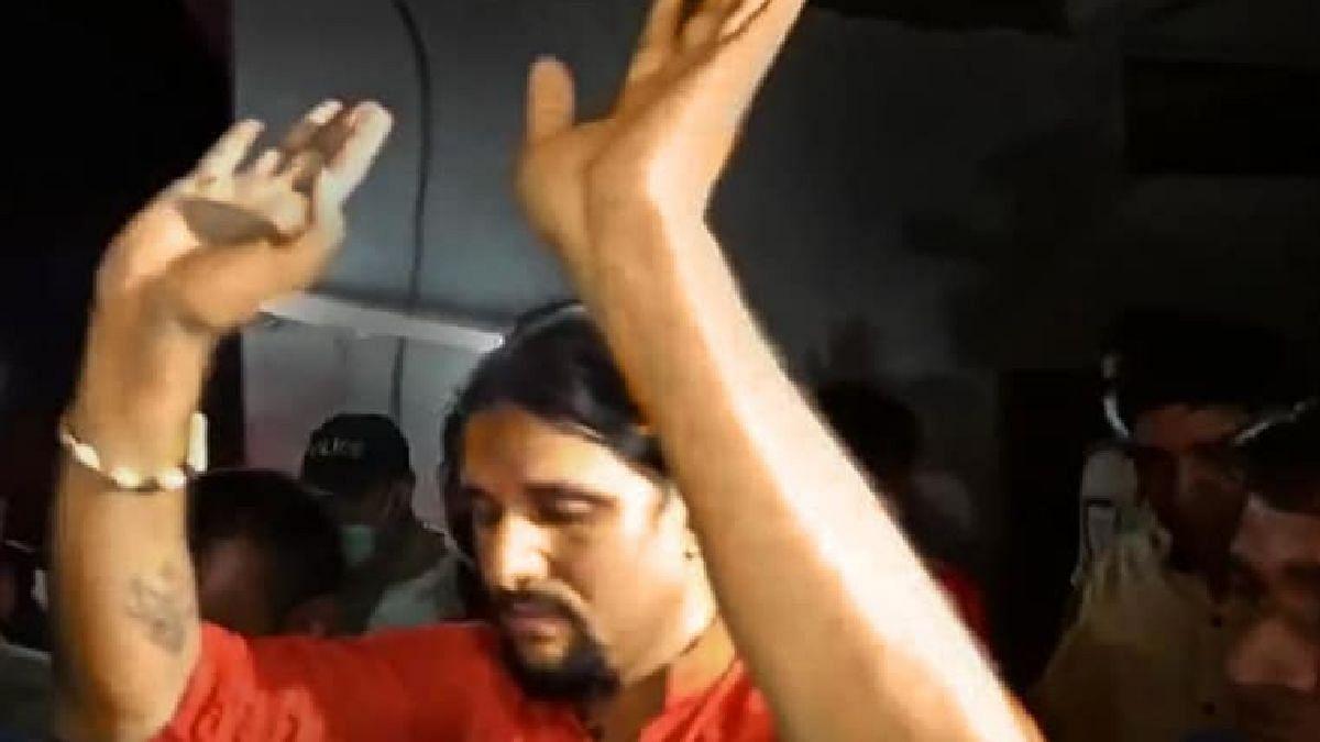 नरेंद्र गिरी महाराज मृत्यू प्रकरण : मुख्य आरोपी आनंद गिरीला अटक; तपास 'एसआयटी'कडे