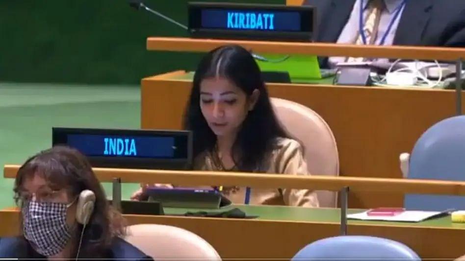 Sneha Dubey: पुण्यातील फर्ग्युसनच्या विद्यार्थिनीने पाकिस्तानला सुनावलं; कोण आहे स्नेहा दुबे?