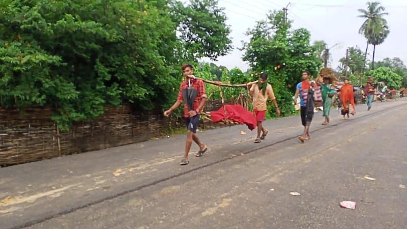 गडचिरोली : मुलीला उपचारासाठी घेऊन जाण्याकरता ३० किलोमीटरची पायपीट
