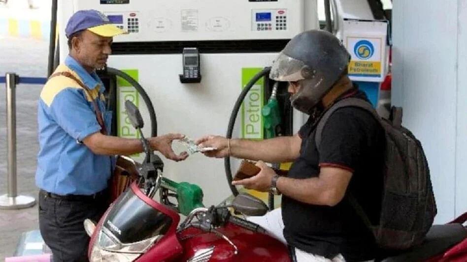 Petrol-Diesel Price : महागाईत पेट्रोल-डिझेल दरवाढीचं 'तेल'; मुंबईत डिझेलचंही 'शतक'