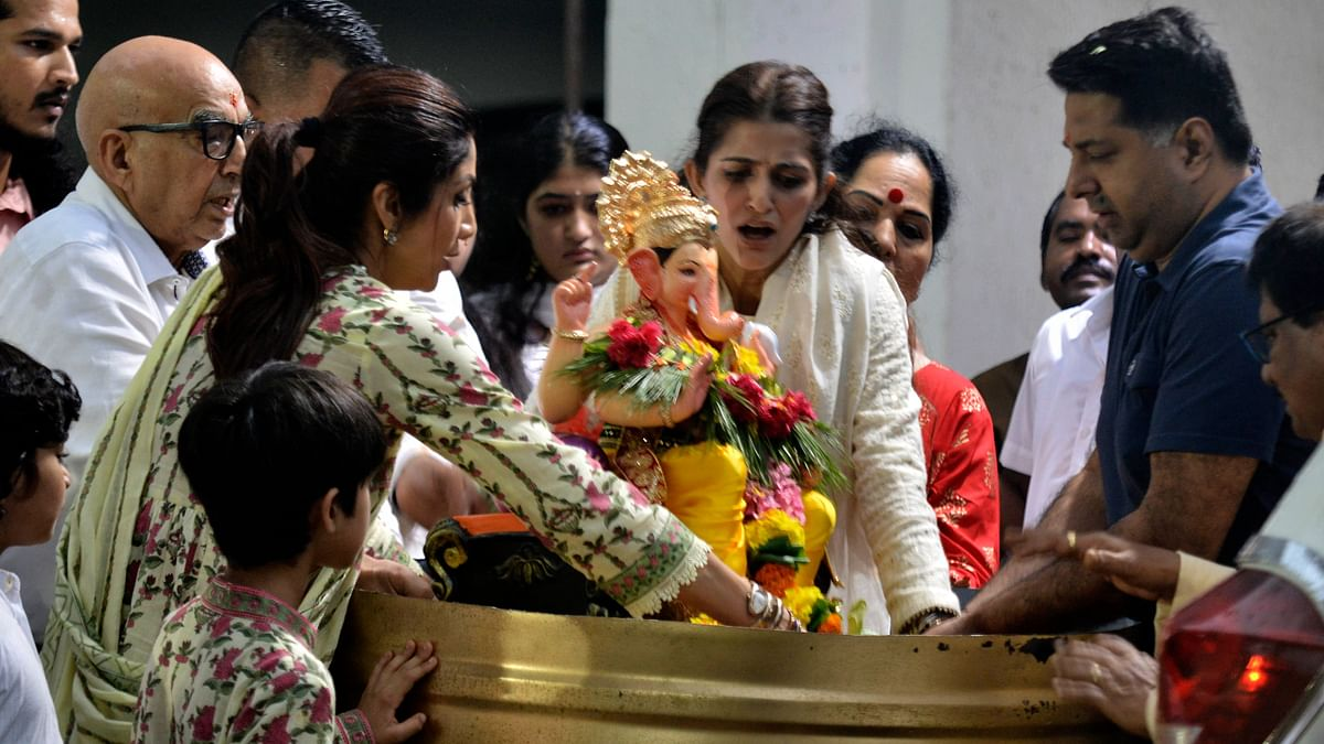Shilpa Shetty ने दिला घरातल्या लाडक्या बाप्पाला निरोप