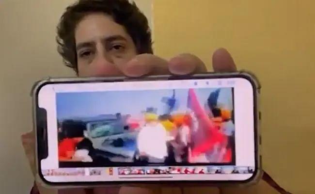 'मोदीजी हा व्हीडिओ पाहिलात का?','तो' व्हायरल VIDEO दाखवत प्रियंका गांधींचा PM मोदींना सवाल