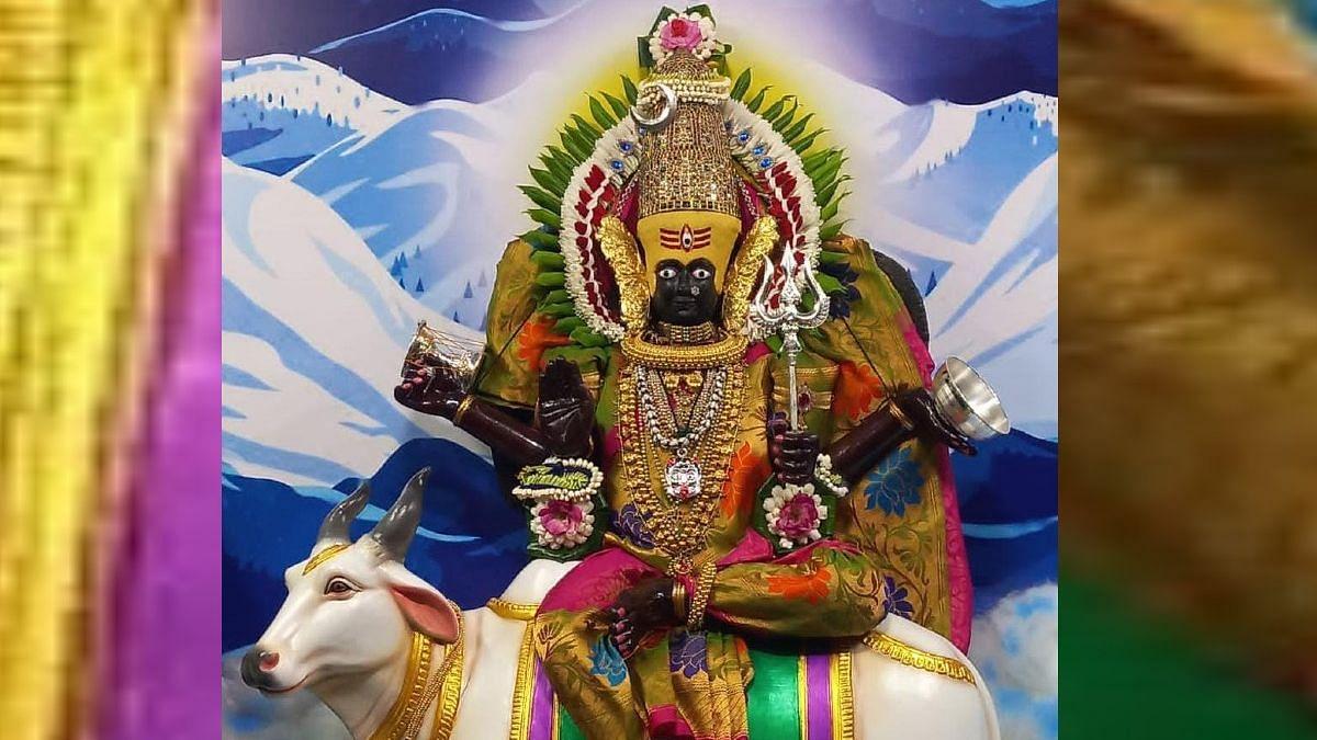 अंबाबाईची माहेश्वरी रुपात अलंकार पूजा