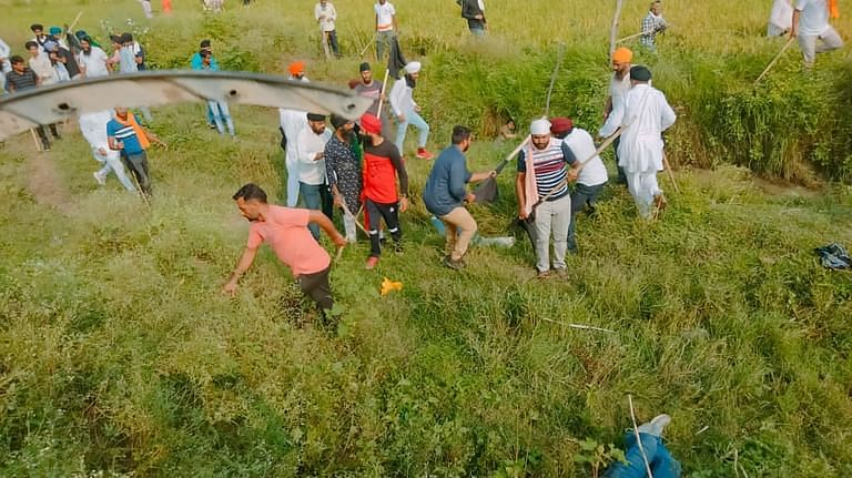 shivsena saamana editorial criticized bjp over up lakhimpur kheri case aryan khan cruise drugs case
