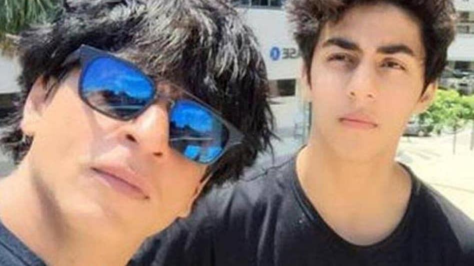 Shah Rukh Khan Son: EXCLUSIVE: NCB चे अधिकारी अचानक आर्यन खान समोर आले, अन्...