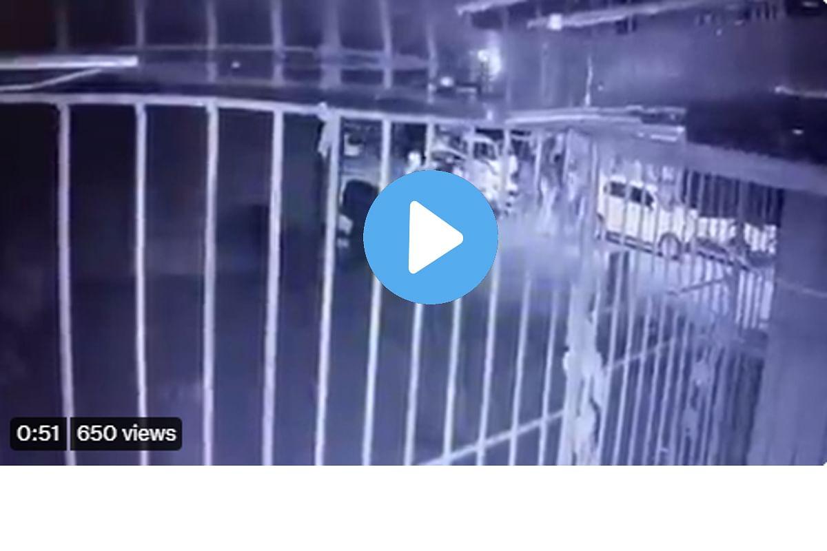 कळव्यातील बॅनर वाद : CCTV व्हिडीओ आला समोर; आव्हाड म्हणतात, 'आता तरी कारवाई करणार का?'