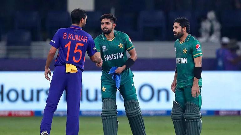 T20 WC, Ind Vs Pak: अनेक दशकांचा विक्रम मोडला, विश्वचषक स्पर्धेत भारत पहिल्यांदाच पाकिस्तानकडून हरला