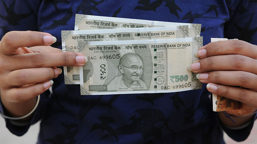New Rs 500 notes issued after the Centre's November 8 notification demonetising Rs 1,000 and Rs 500 currency notes