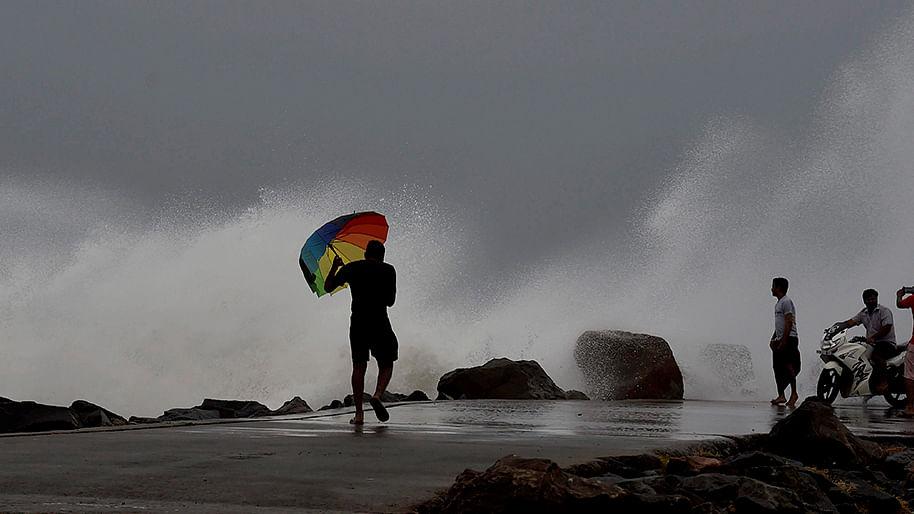 Cyclone Vardah: AP, TN, Puducherry on high alert