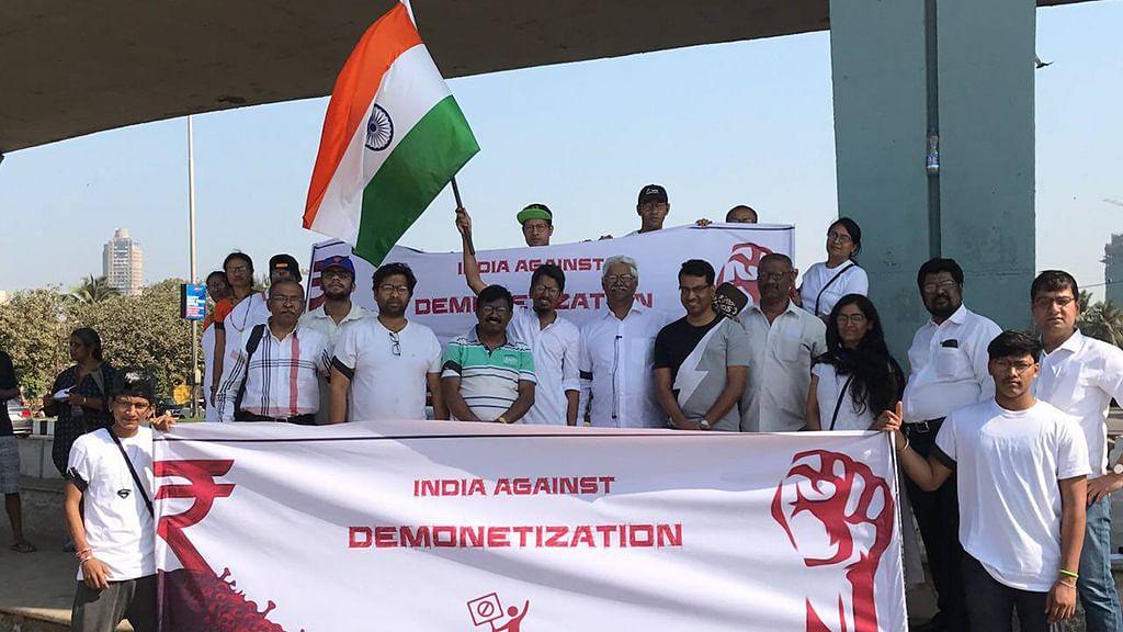 Thousands join 'India Against Demonetization' social media crusade