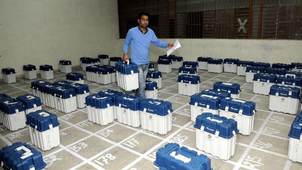"Tiruchi Siva: ""Draft citizen volunteers for poll duty"""