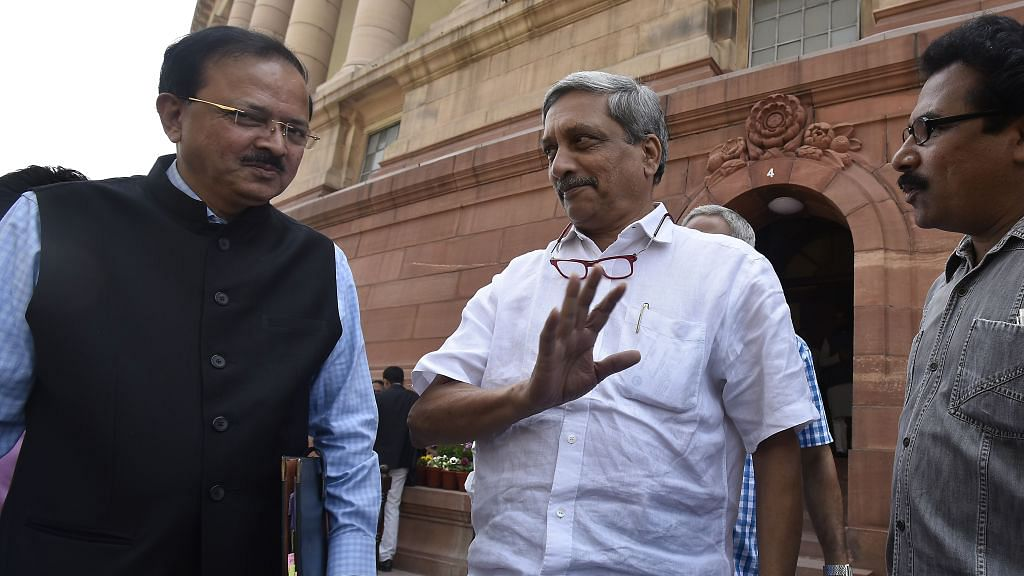 SC allows Parrikar to take oath; Goa floor test on March 16