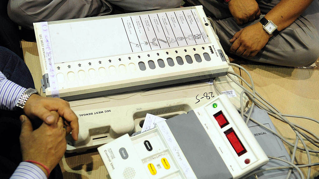 Election Commission advised to hold 'hackathon' to reward hackers