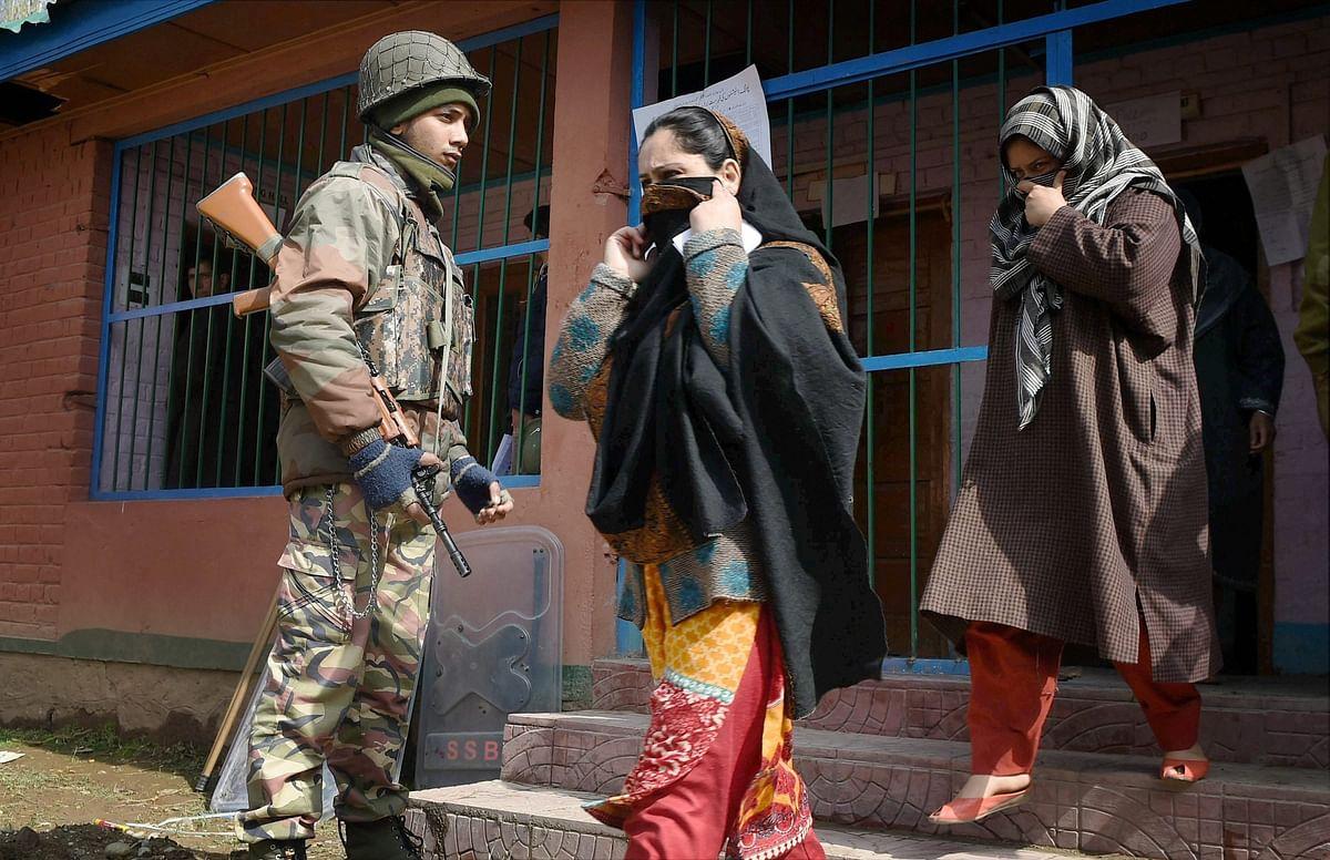 Bypolls: 4 dead in Srinagar as protestors clash with police