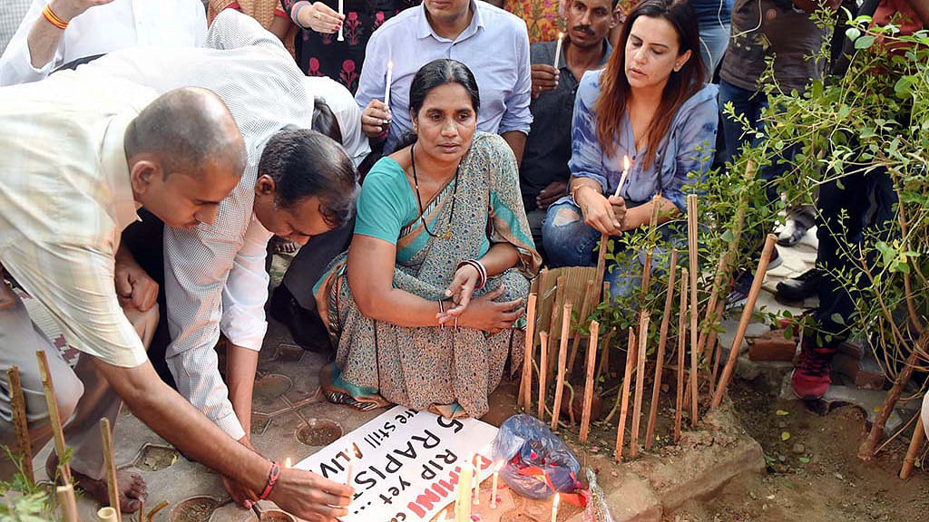 Delhi 'strongly recommends' no mercy to Nirbhaya convict