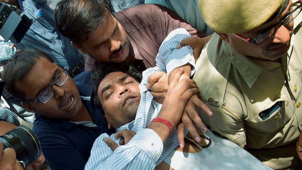 Congress, BJP ask Kejriwal to resign after Mishra's allegations