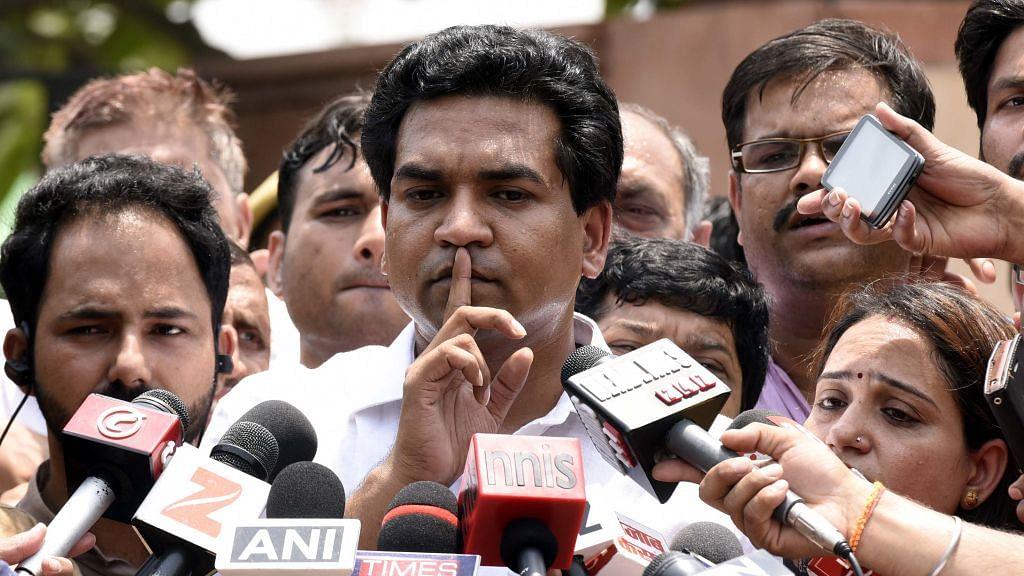 Delhi shaken by India Against Corruption's old faultlines