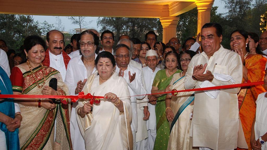 Photo courtesy: <i>Vishwashanti Sangeet Kala Academy </i> website